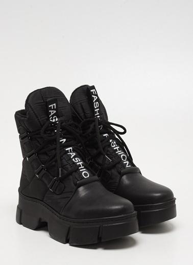 F By Fabrika Bot Siyah